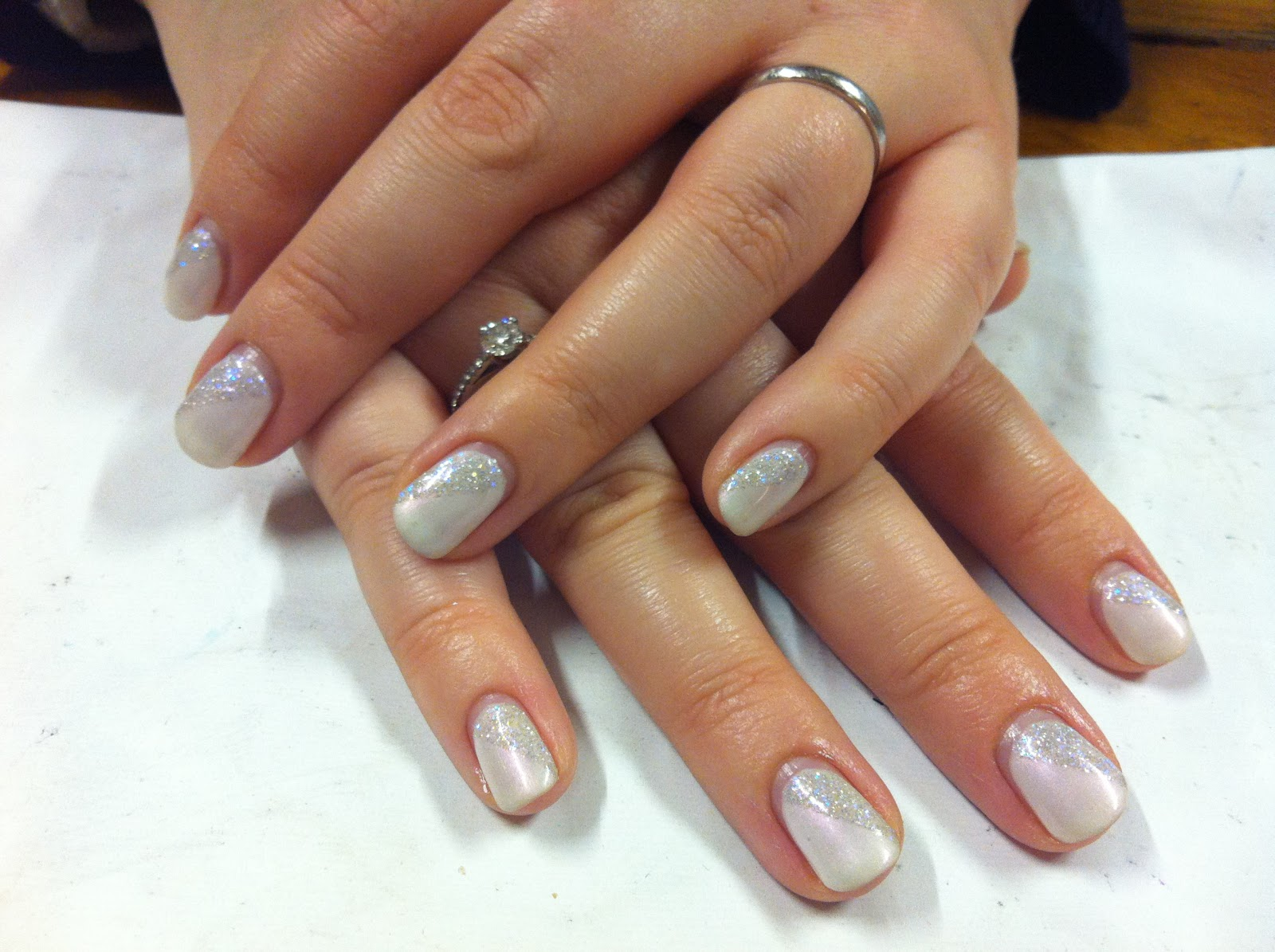 Brush up and polish up cnd shellac christmas nail art 4 cnd shellac christmas nail art 4 iridescent ice queen prinsesfo Image collections