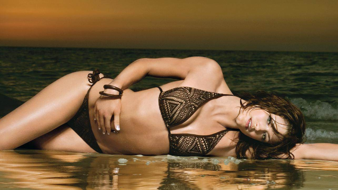 The hottest bodies in wwe history wwe bulletin for Hottest wwe diva pictures