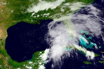 TORMENTA TROPICAL ANDREA TOCA TIERRA EN LA COSTA OESTE DE FLORIDA, 06 DE JUINIO 2013