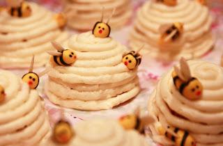 Mini honey and lemon beehive cakes