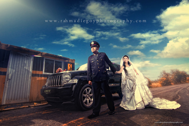 foto prewedding konsep tema polisi