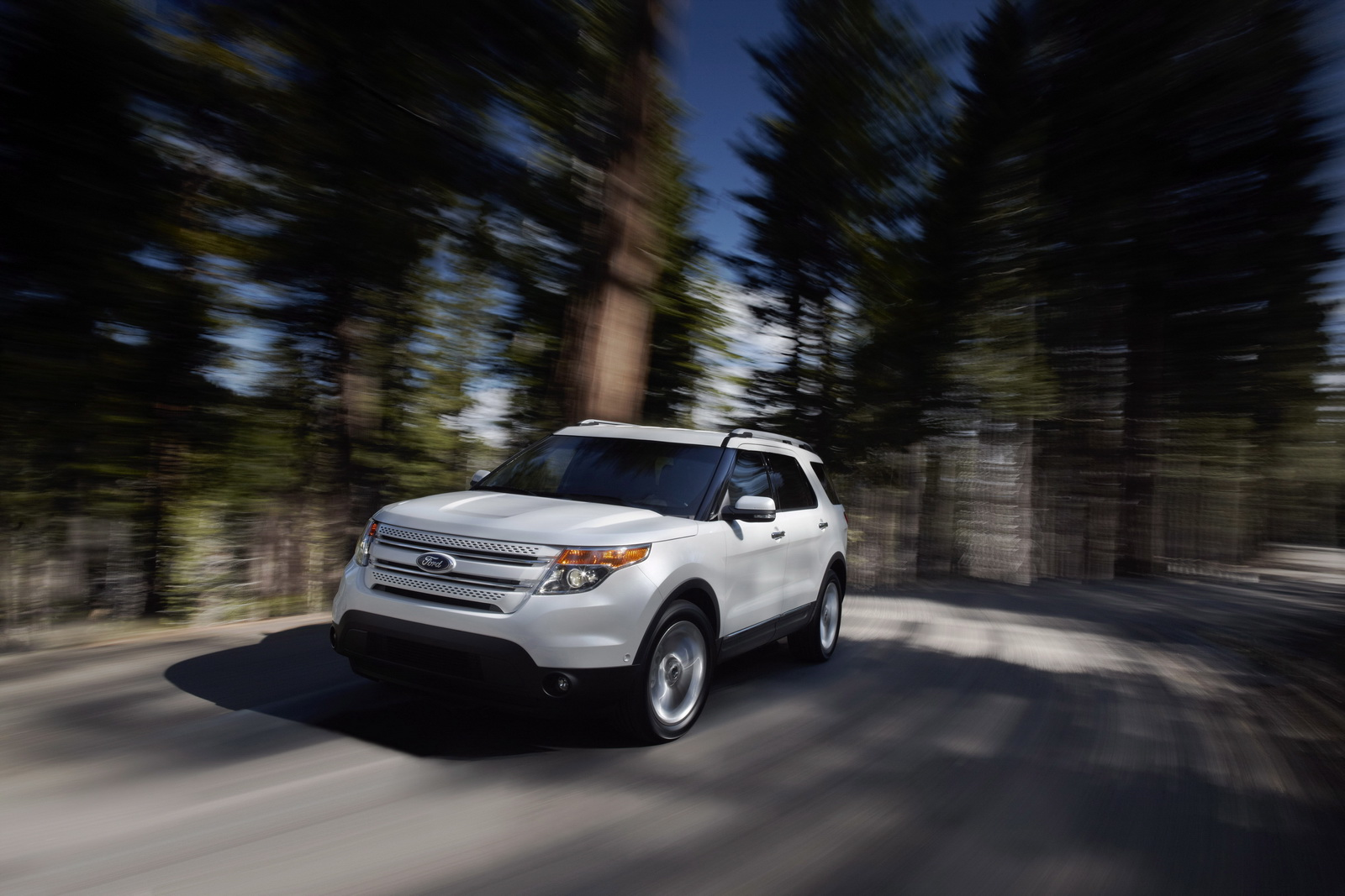New Ford Explorer   New Standard for SUV Fuel Efficiency   Auto