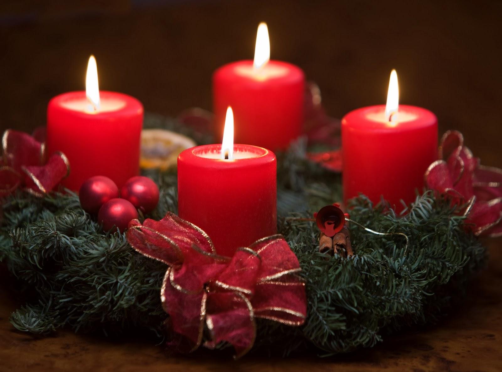 Banco de im genes coronas de adviento con velas rojas encendidas para navidad - Velas adviento ...