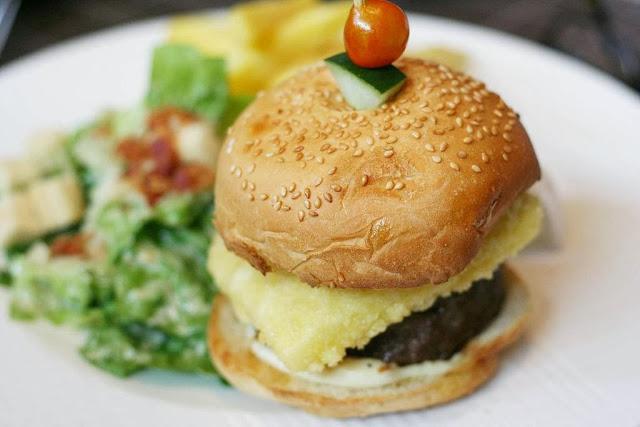 CY Royale wagyu burger Felix restaurant Greenbelt 5