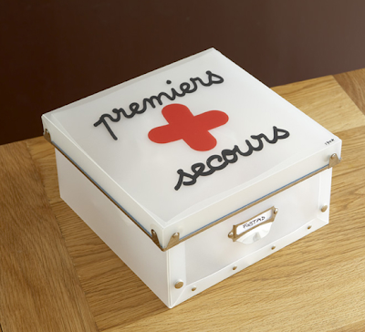 Premiers Secours first aid box