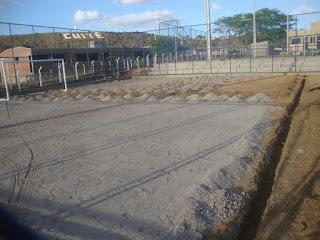 Prefeitura Setorial realiza serviço de preparação para a implantação do gramado no campo de futebol do CES/UFCG