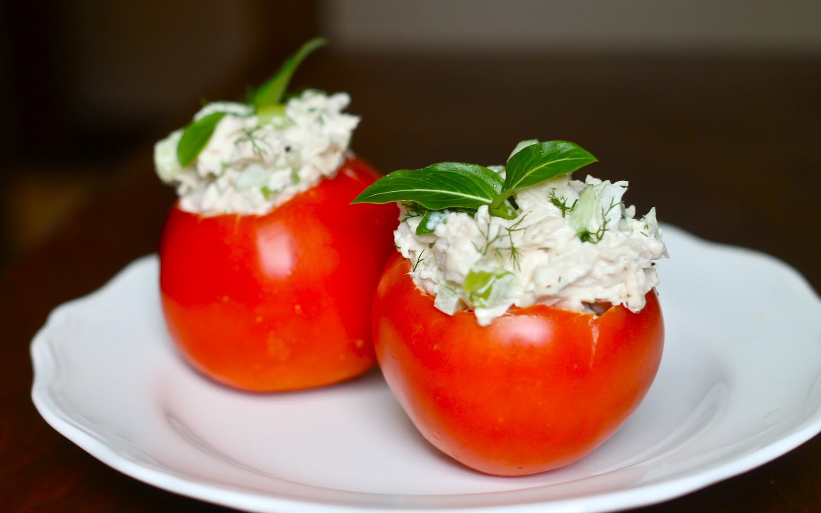 Yammie's Noshery: Cucumber Dill Chicken Salad in Tomato Cups