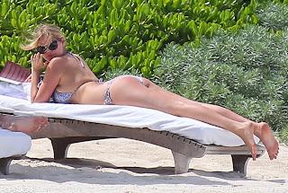 Foto Bikini Hot Kate Upton di Cancún baca majalah