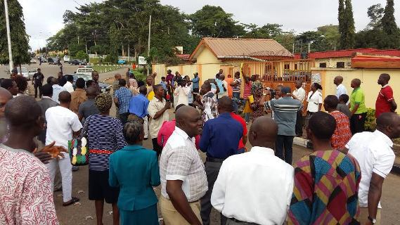 Image result for Non-Academic staff protest against non-payment of salaries in Rivers