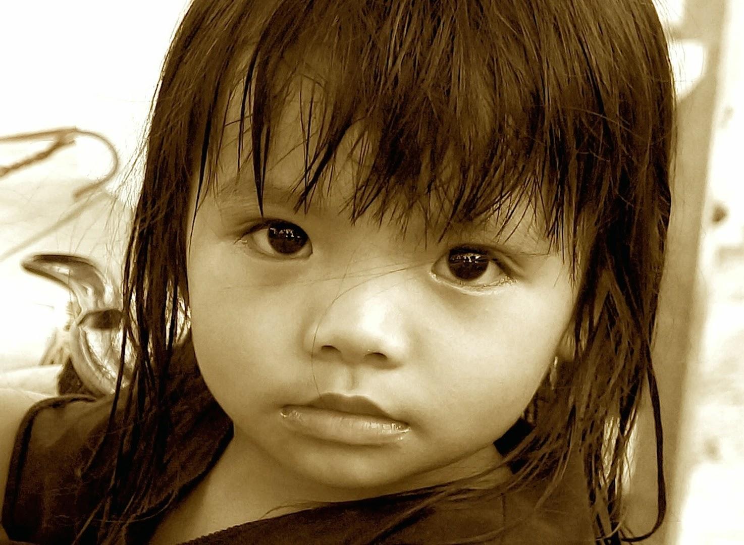 Cute little Thai girl !