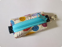http://fayandriley.blogspot.co.nz/2013/11/tutorial-keyring-pouch.html