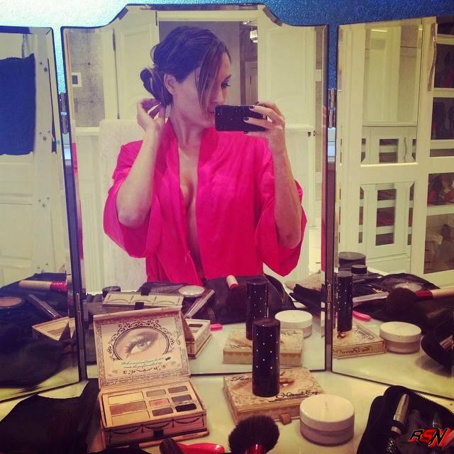 Nikki Bella Selfie before dressing up for a date.