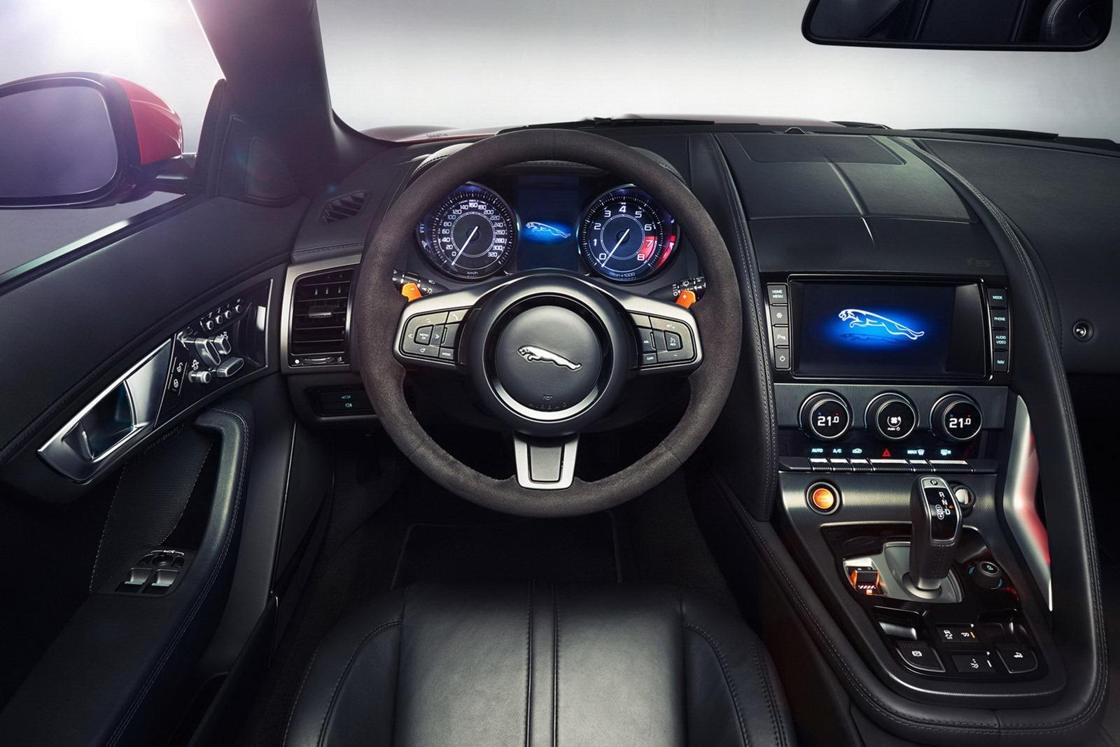 2013 jaguar f type roadster resmi olarak tan t ld turkeycarblog - Jaguar f type r coupe interior ...