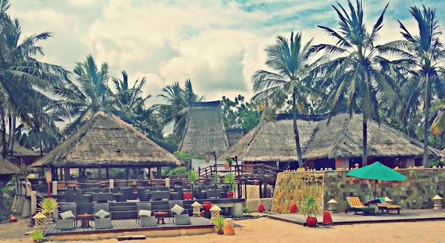 Novotel Lombok Upper Pool | www.meheartseoul.blogspot.com