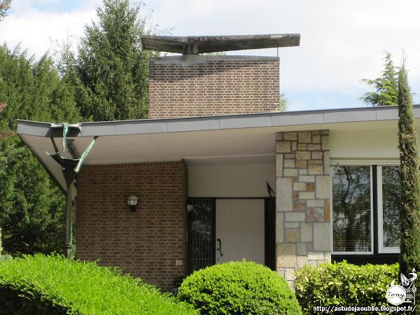 Bruxelles - Villa Woudrand  Architecte: Maurice Van Cauwelaert  Construction / Projet: 1958 - 1960