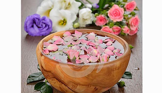 Manfaat Air Mawar Untuk Kecantikan Wajah