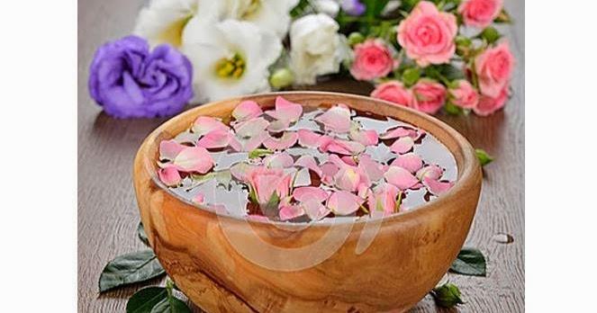 Manfaat Air Mawar Untuk Kecantikan Wajah | Cream Sari ...