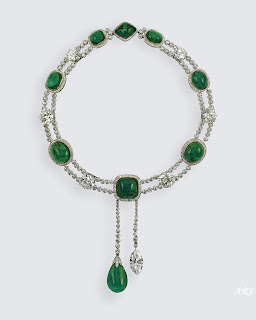 The Delhi Durbar Necklace with Cullinan VII suspended from it on a detachable chain