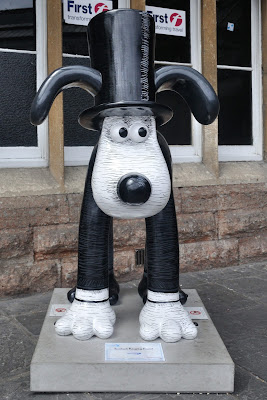 Isambark Kingdog Brunel Gromit (front view)