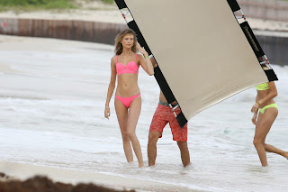 Behati+Prinsloo+Pink+Bikini+Pictureshoot+Candid+Pictures+In+the+Caribbean+018.jpg