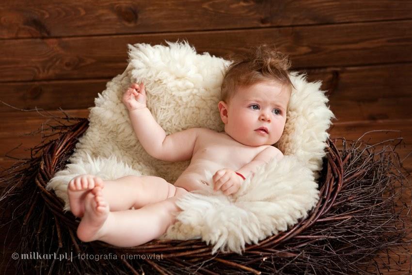sesja zdjęciowa dziecka, fotografia niemowlęca, sesje fotograficzne dzieci, fotograf dziecięcy, studio Milkart