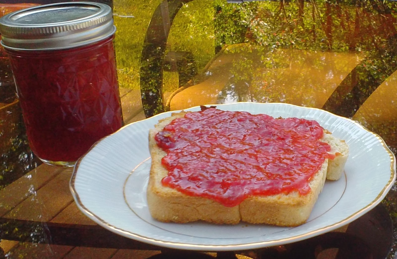 The Best Low Sugar Strawberry Jam Recipe