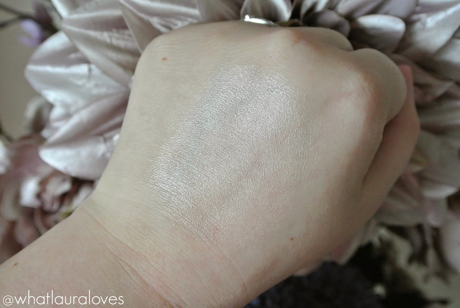 MeMeMe Cosmetics Beat the Blues in Pearl Pink Review