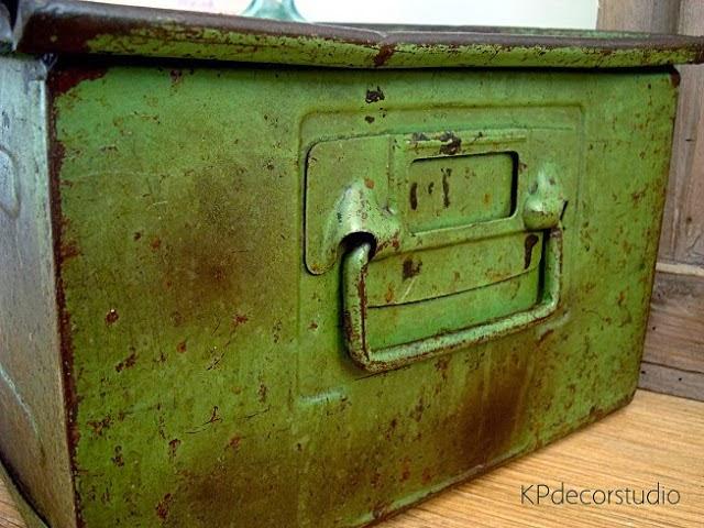 cajas de metal zinc industrial antiguas para almacenar y guardar cosas