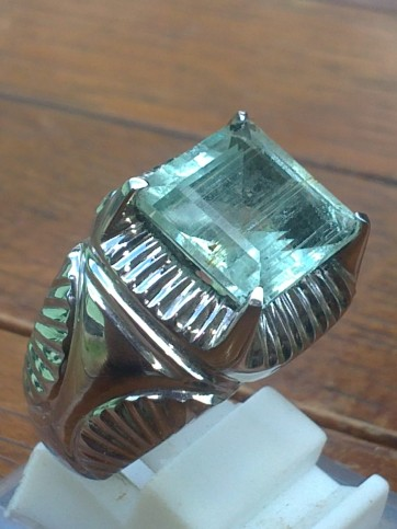 Terjual Colorless To Very Light Green Aquamarine Rp
