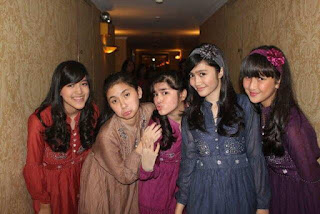 Foto Terbaru Girl Band Blink