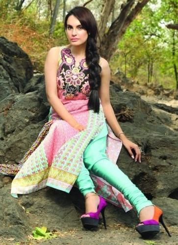 NadiaHussain2013premiumLawn28229 - Nadia Hussain Lawn 2013 Magazine by Shariq Textiles