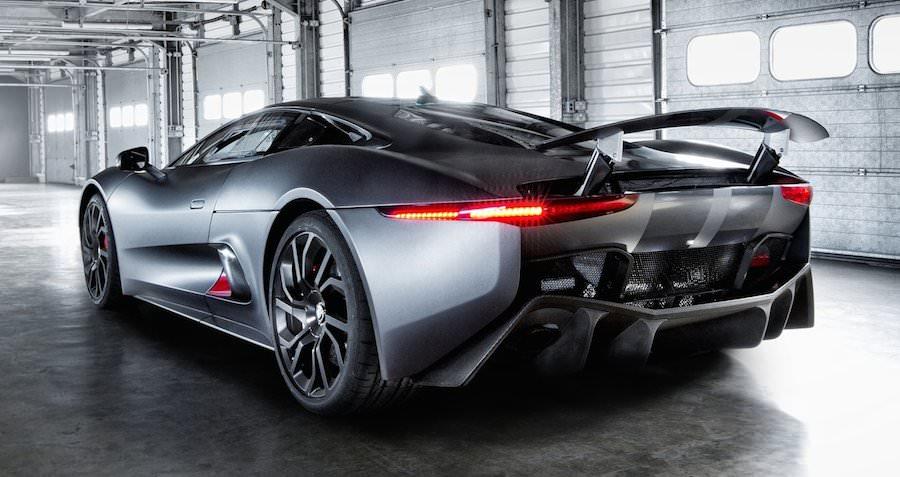007の最新作、アストンマーチンに続きジャガーC-X75も登場。悪役のクルマに?