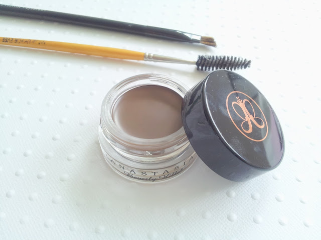 dipbrow-pomade-anastasia-beverly-hills