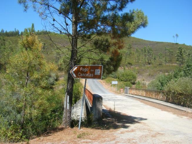 Placas de indicação ponte dos 3 concelhos