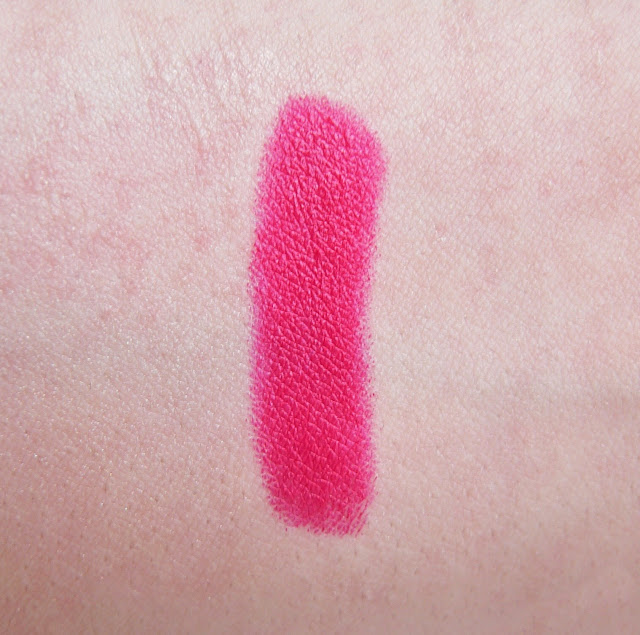 Hema soft matt matte lipbalm lipstick 05 review swatches mac dupe framboos roze