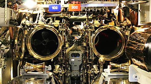 uss bowfin submarine torpedo tubes