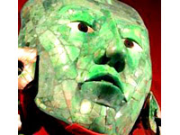 Les masques mayas à la Pinacothèque de Paris