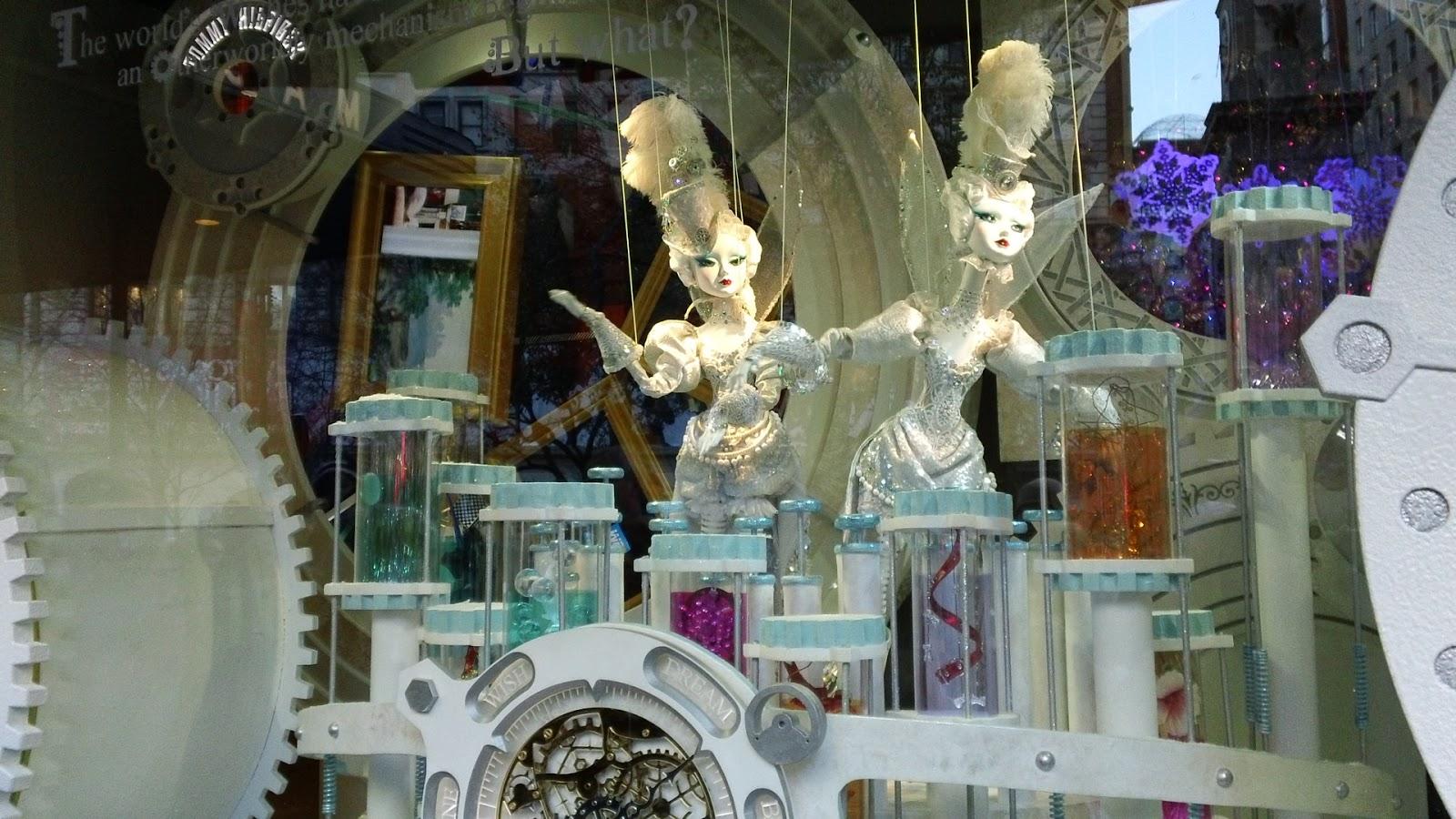 Medibeads decoracion de vitrinas en macys new york for Decoracion para vitrinas