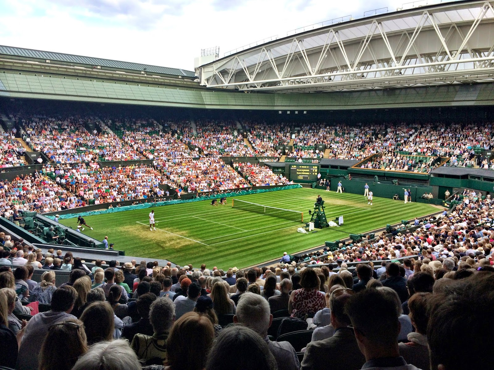 Djokovic playing Stepanek on Cenre Court - Wimbledon 2014