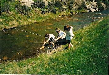 Familia que pesca unida...