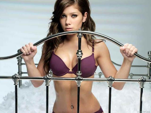 Nikki Sanderson sexy in lingerie