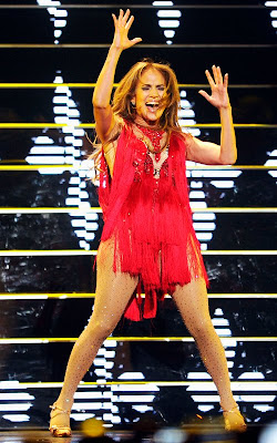 Tante Girang Jennifer Lopez's Red Hot