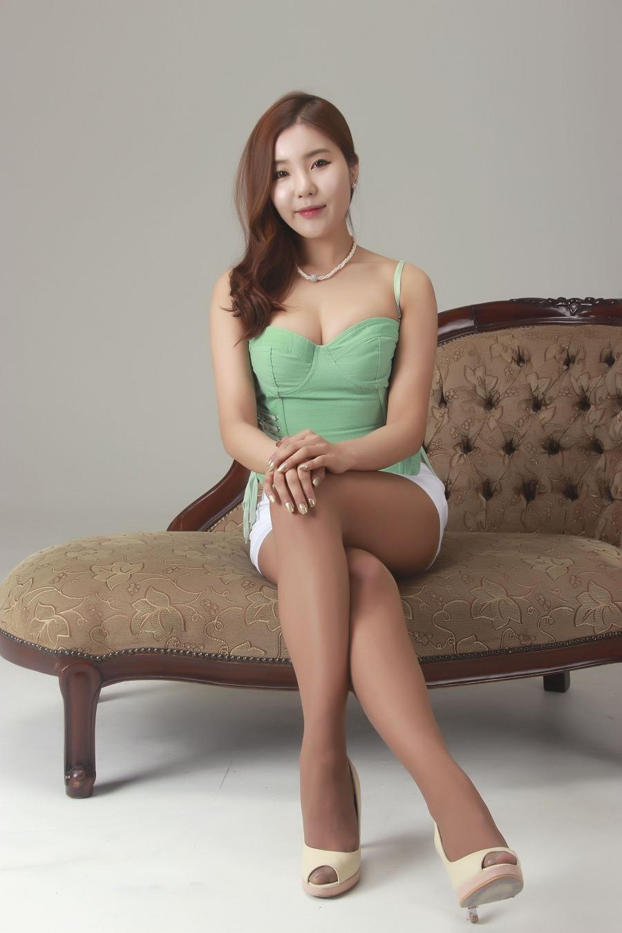 xxx nude girls: New Girl Kim Ji Na