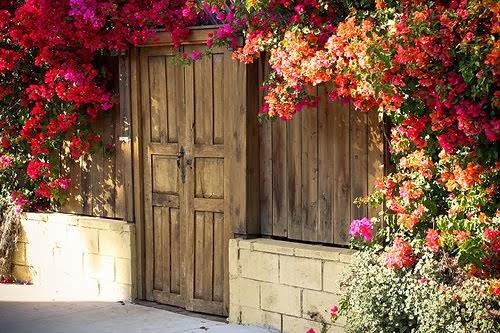 -kim o? -senim. böyle bir diyalogda kapının varlığından kim söz edebilir?