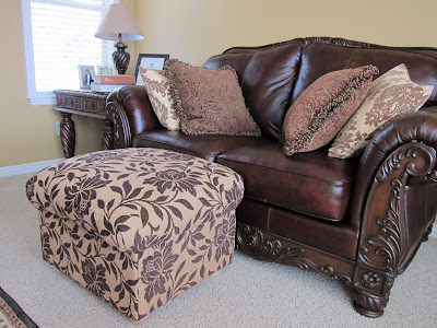 do it yourself divas diy ottoman build your own from scratch. Black Bedroom Furniture Sets. Home Design Ideas