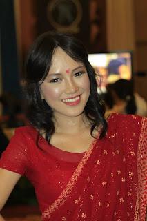 dan inilah sayaa dengan kostum india hehehe ;)