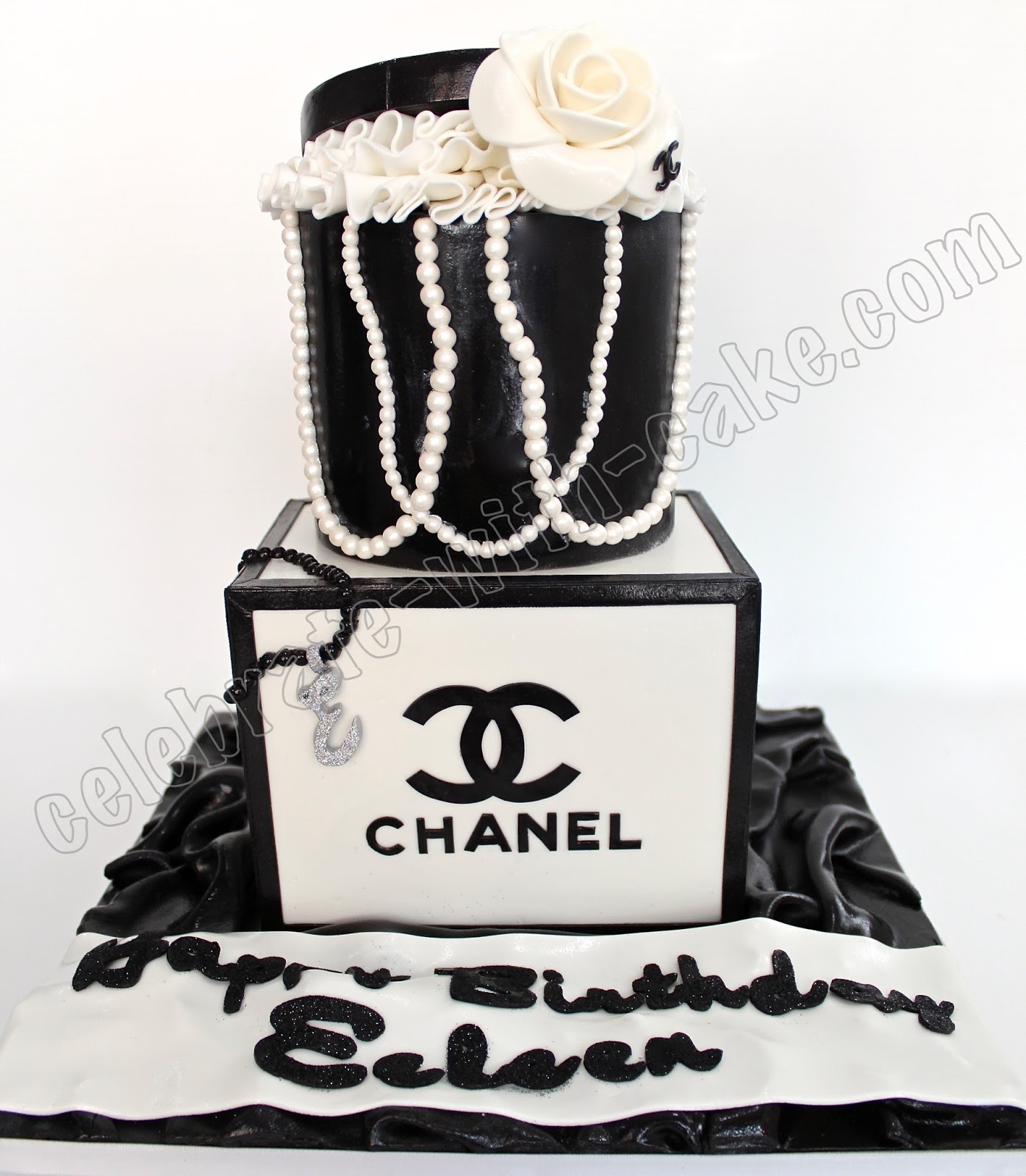 Celebrate with Cake!: Black & White Chanel Stack Cake