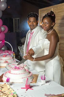 les Abymes, Guadeloupe, découpe du gâteau de mariage