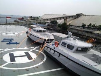 KRI Banjarmasin 592 Angkut Tujuh Alutsista Buatan Banyuwangi
