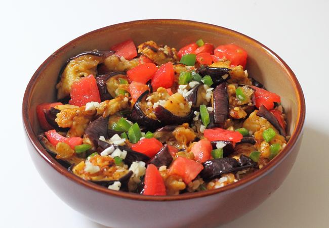 Острый салат из баклажанов с тахиной (Мутабаль)